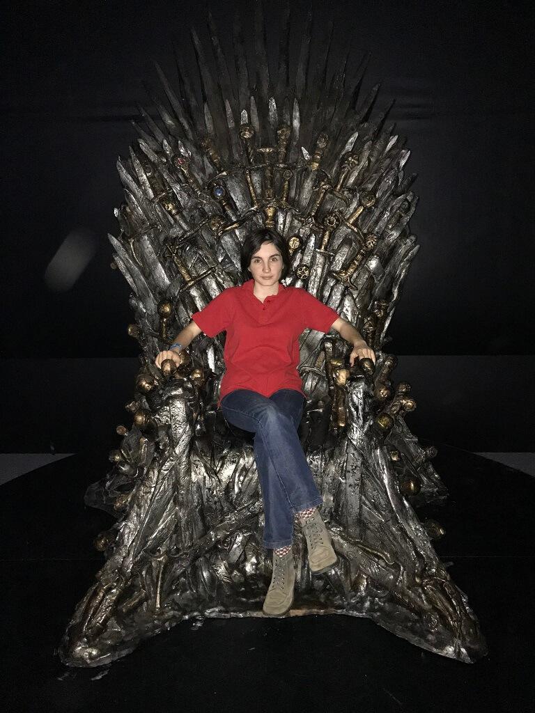 iron throne comic-con