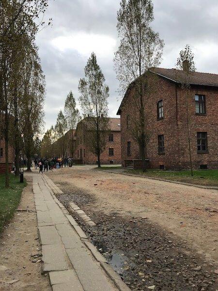 Clădiri lagăr de concnetrare Auschwitz Polonia Daniela Bojinca Blog