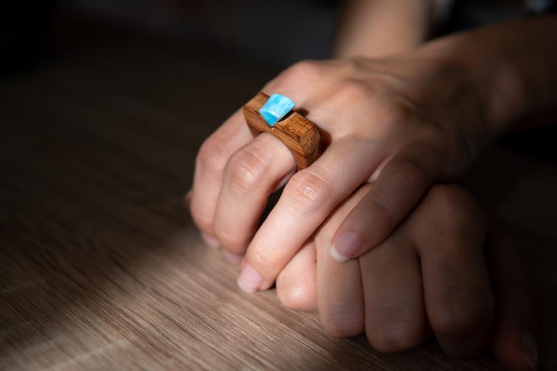 inel de lemn handmade sectiune daniela bojinca