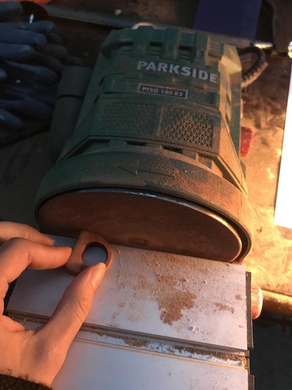 slefuire inel de lemn handmade